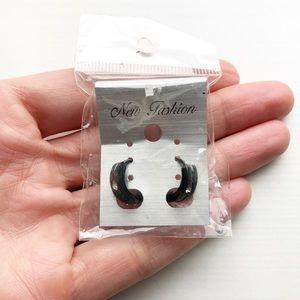 Black gunmetal & diamond ridged hoop earrings